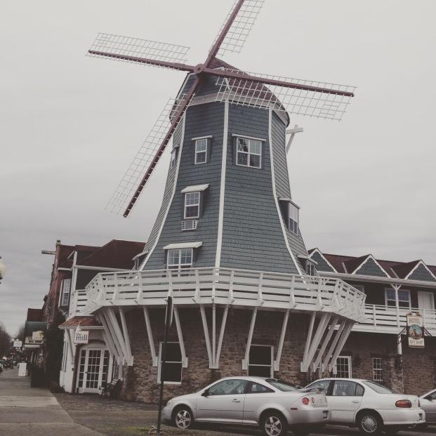 Dutch Village Inn
