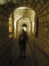 paris_catacombs_lef_tunnel